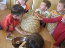 Prezentacije u dječijim vrtićima na temu Pčelica i med